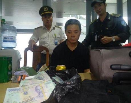 Vietnam Airlines lam gi de ngan trom cap tren may bay? - Anh 1