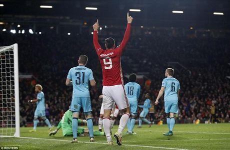 Man United 4-0 Feyenoord: Dai tiec co Rooney, Mata va Mkhitaryan - Anh 4