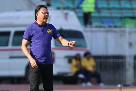 HLV Malaysia doi mat nguy co bi sa thai - Anh 1