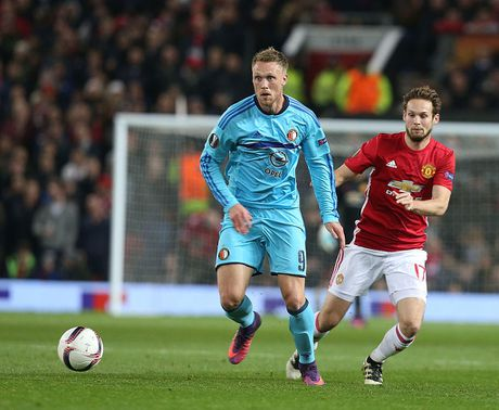 No sung lien tuc, M.U ha dep Feyenoord tai Old Trafford - Anh 3