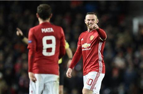 Rooney 'no sung' mo man cho dai tiec ban thang tai Old Trafford - Anh 4