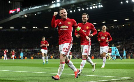 Rooney 'no sung' mo man cho dai tiec ban thang tai Old Trafford - Anh 6