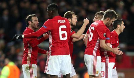 Rooney 'no sung' mo man cho dai tiec ban thang tai Old Trafford - Anh 9