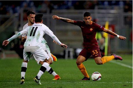 AS Roma dai thang, go chut the dien cho Serie A - Anh 5