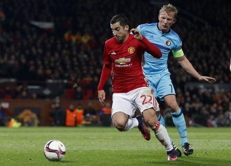 Diem tin chieu 25/11: Mourinho trao co hoi cho Mkhitaryan; Atletico tim nguoi thay Griezmann - Anh 1