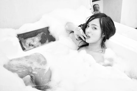 Choang ngop truoc ve goi cam cua fan cuong James Rodriguez - Anh 1