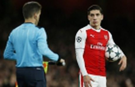 Diem tin toi 25/11: Ky luc cua Rooney bi phot lo, Bellerin sap tro lai, Gerrard la ke mach leo - Anh 3