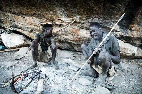 Chum anh cuoc song nguyen so cua bo toc Hadzabe o Tanzania - Anh 1