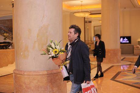 Thomas Anders cua Modern Talking duoc tang cuc hoa mi khi toi HN - Anh 10