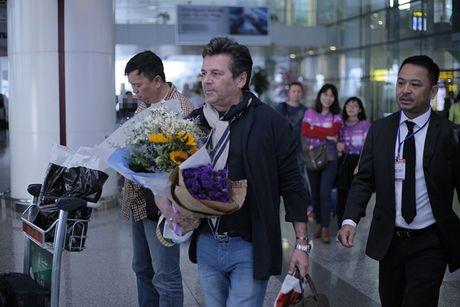 Thomas Anders cua Modern Talking duoc tang cuc hoa mi khi toi HN - Anh 5