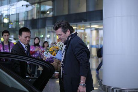 Thomas Anders cua Modern Talking duoc tang cuc hoa mi khi toi HN - Anh 6