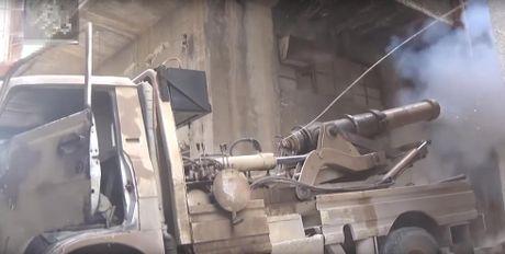 Hoang hon phao than cong...tu hanh cua phien quan Syria - Anh 2