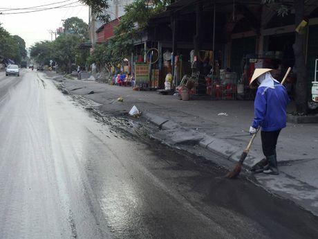Quang Ninh kiem soat xe cho than sau khi dan goi duong day nong - Anh 7