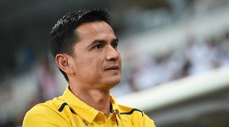 HLV Kiatisak: 'Thai Lan se thang Philippines vi bang xep hang FIFA' - Anh 1