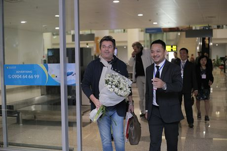 Thomas Anders cua Modern Talking duoc tang cuc hoa mi khi toi Viet Nam - Anh 1