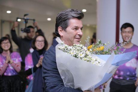 Thomas Anders cua Modern Talking duoc tang cuc hoa mi khi toi Viet Nam - Anh 3