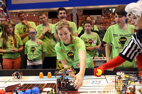 Australia: Thi che tao robot tu Lego danh cho hoc sinh - Anh 1