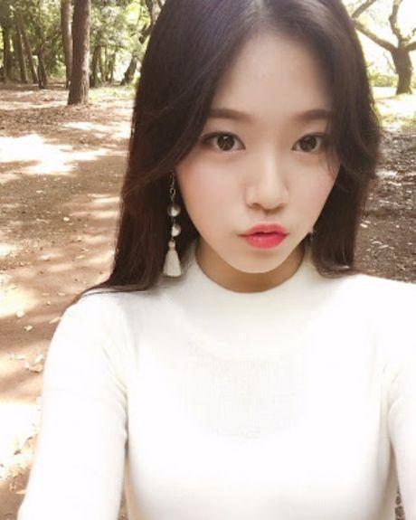 Idol nu tan binh gay sot vi trong giong Na Eun lan Tzuyu - Anh 2