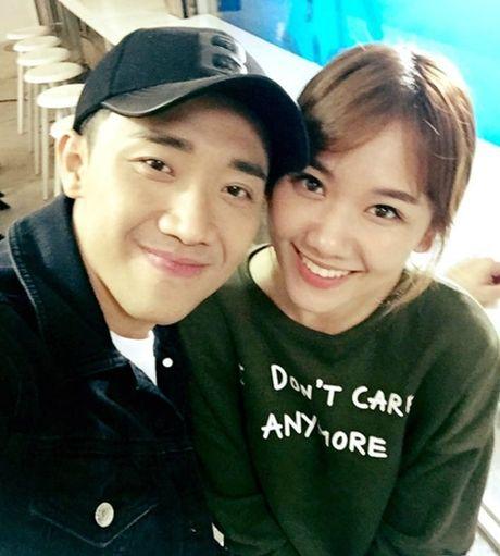 Tran Thanh viet tam thu tiet lo Hari Won bi tram cam, mong cong chung dung ghet bo - Anh 2