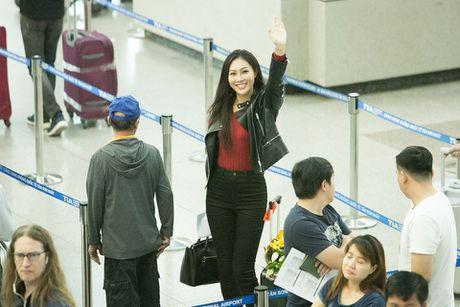Sau loat on ao, Dieu Ngoc chinh thuc len duong tham du Miss World - Anh 1