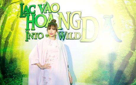 Duc Tuan, Pham Huong, Phan Anh cuong nhiet nhay Flashmob voi khan gia - Anh 2