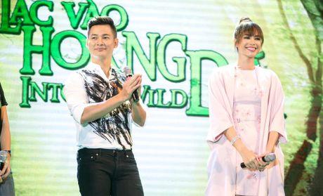 Duc Tuan, Pham Huong, Phan Anh cuong nhiet nhay Flashmob voi khan gia - Anh 4