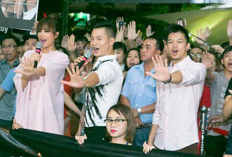Duc Tuan, Pham Huong, Phan Anh cuong nhiet nhay Flashmob voi khan gia - Anh 5