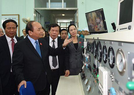 Thu tuong Nguyen Xuan Phuc lam viec voi Vien Y hoc bien Viet Nam - Anh 4