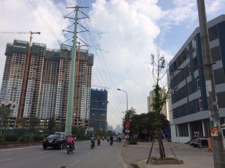 Ha Noi: Lai sap xuat hien 'lo bat quai' truc duong Le Van Luong - Anh 1