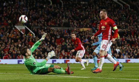 Rooney lap ky luc, Man Utd de bep Feyenoord - Anh 1