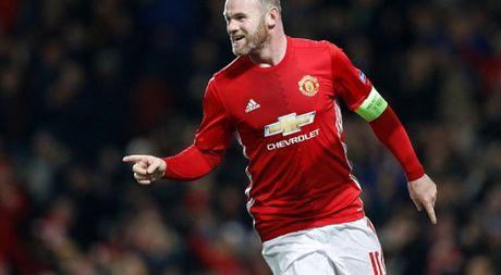 M.U thang lon, Rooney van buc xuc vi chuyen say xin - Anh 1