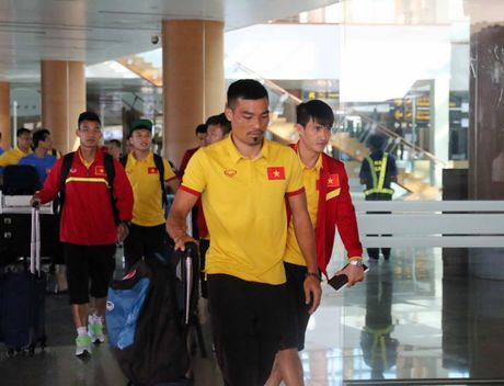 Tuyen Viet Nam doi lich trinh ve TP.HCM truoc tran ban ket AFF Cup - Anh 2