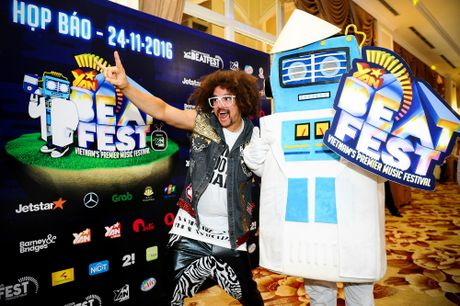 Redfoo - 'Ong Hoang Party Rock' thich thu khi den Viet Nam - Anh 11