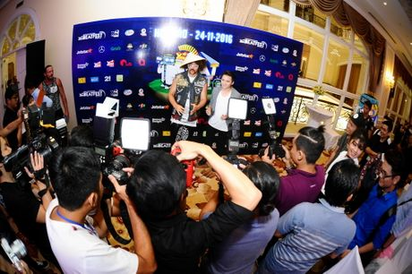 Redfoo - 'Ong Hoang Party Rock' thich thu khi den Viet Nam - Anh 13
