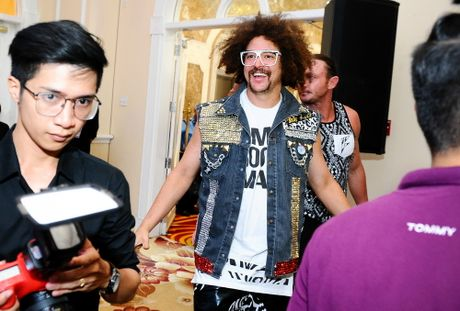 Redfoo - 'Ong Hoang Party Rock' thich thu khi den Viet Nam - Anh 2