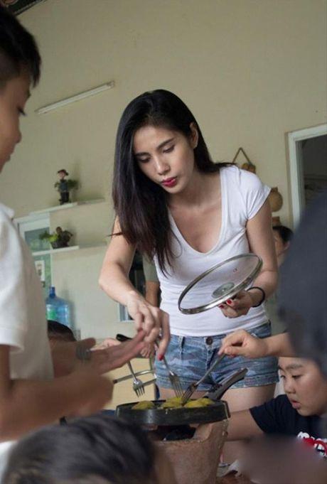 Thuy Tien nong bong 'tu nha ra pho' - Anh 4