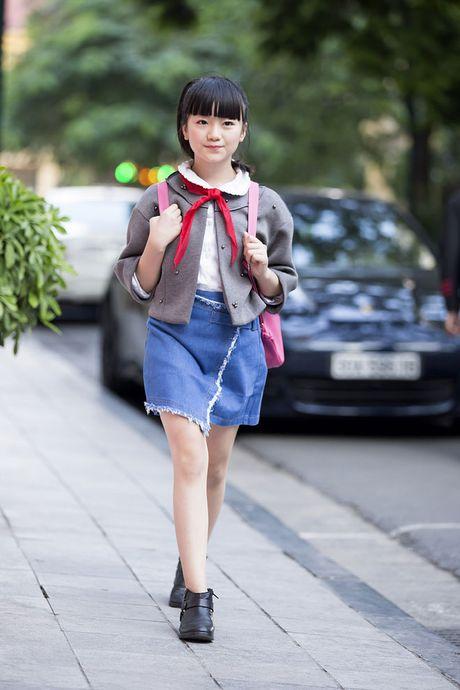 Kim Anh The Voice Kids xinh tuoi xuong pho don gio mua - Anh 1