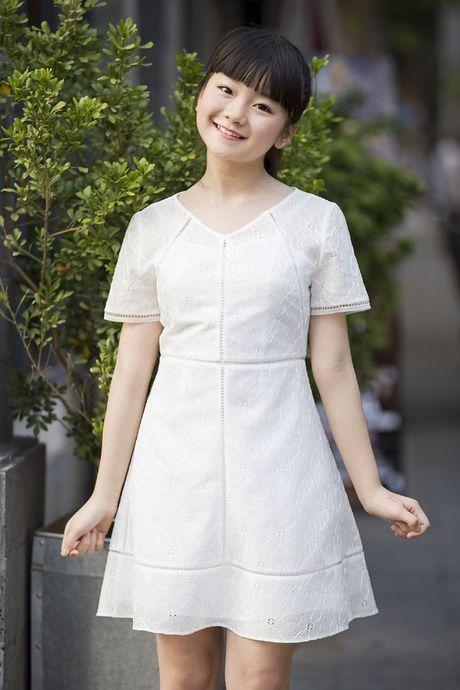 Kim Anh The Voice Kids xinh tuoi xuong pho don gio mua - Anh 3