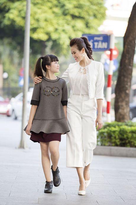 Kim Anh The Voice Kids xinh tuoi xuong pho don gio mua - Anh 4