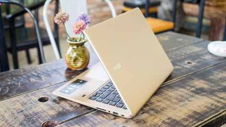 6 laptop noi bat cua Tech Awards 2016 - Anh 1