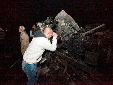 Iraq: Danh bom xe tai o cay xang, it nhat 100 nguoi chet - Anh 3