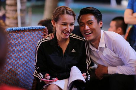 He lo anh Mac Hong Quan va 'ban gai tin don' tinh cam tren phim truong - Anh 3