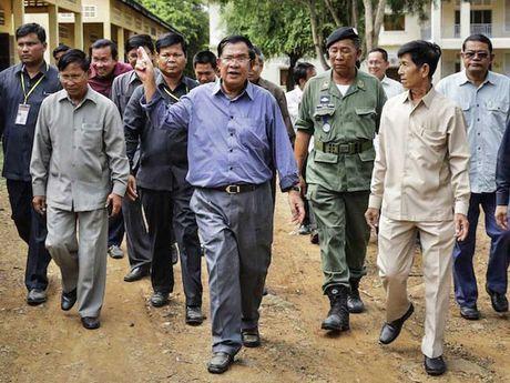 Vi sao Campuchia tang chi quoc phong? - Anh 1