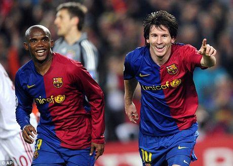 Soc: Cuu sieu sao Barcelona doi mat an 10 nam tu - Anh 2
