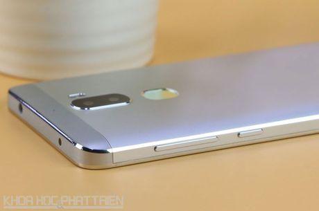 Smartphone camera kep, chip Snapdragon 652, gia re bat ngo - Anh 15