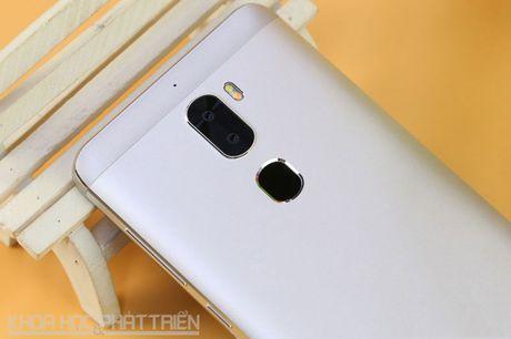 Smartphone camera kep, chip Snapdragon 652, gia re bat ngo - Anh 25