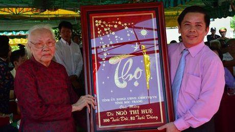 Mung tho 100 tuoi phu nhan co TBT Nguyen Van Linh - Anh 2
