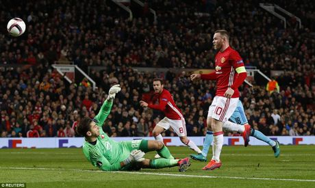 Rooney lap ky luc, M.U thang 4 sao o Europa League - Anh 1