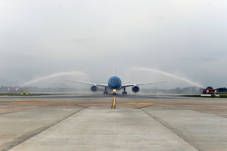 Vietnam Airlines nhan chiec may bay Boeing 787 Dreamliner thu 10 - Anh 2