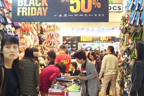 Black Friday: Nhieu cua hang dong cua, han che khach - Anh 3
